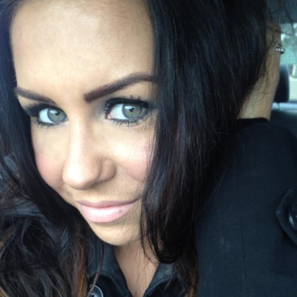 Makeup By Cheryl H: Estee Lauder Double Wear Foundation FOTD : Apps ...
