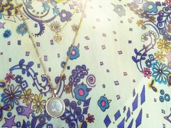 Vintage floral print dress gold necklace rose pattern